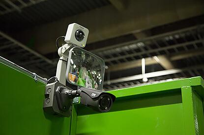 工場内は監視カメラで常時録画